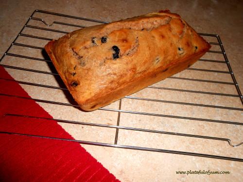 Raisin blueberry bread